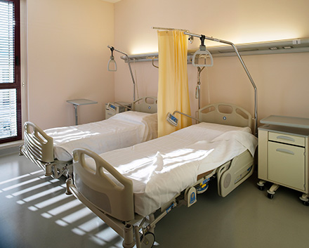 Privacy Curtains in Medical Facilities Can Harbor Germs